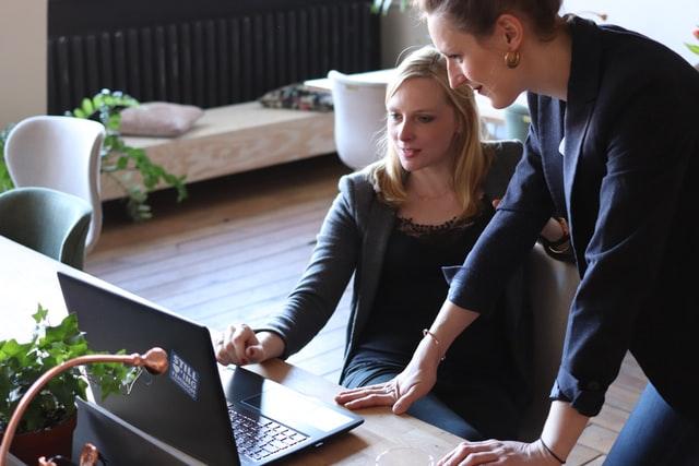 Zaposlenici razrađuju outsourcing plan