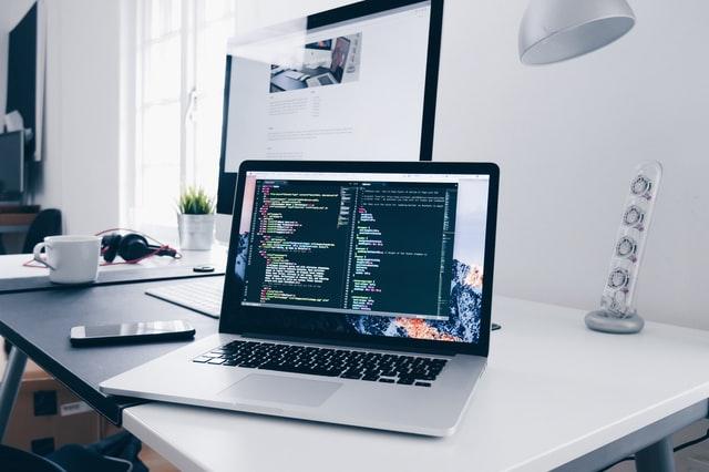Laptop za održavanje IT sustava